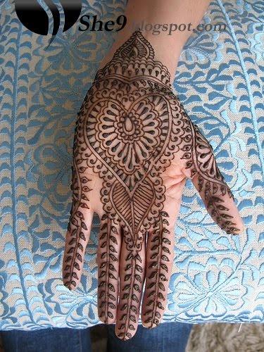 palm mehndi (recurring theme)