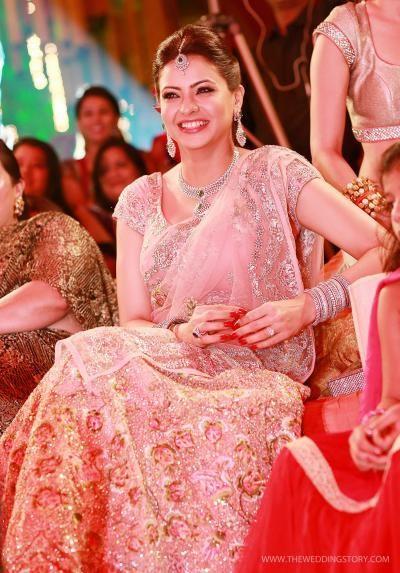 Amna Sharif looks pretty at her sangeet celebrations