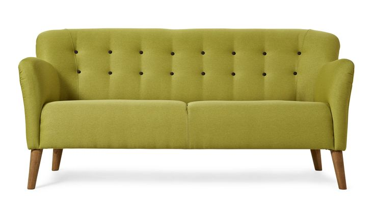 Boggie är en härlig sitta-fint-soffa i retrostil. Det är knapparna i ryggen som gör det! Välj mellan ett antal färdiga färgkombinationer, med matchande eller avvikande färg på knapparna och stiligt höga ben i ek eller svart. Är ni fler som behöver sitta kan 3-sits soffan kompletteras med en fin fåtölj i samma serie.