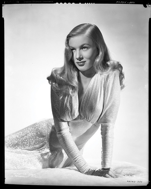 Veronica Lake-the only reason this pic of Veronica Lake is in my diy is because I've drawn this exact picture in my freshman year of high school :)