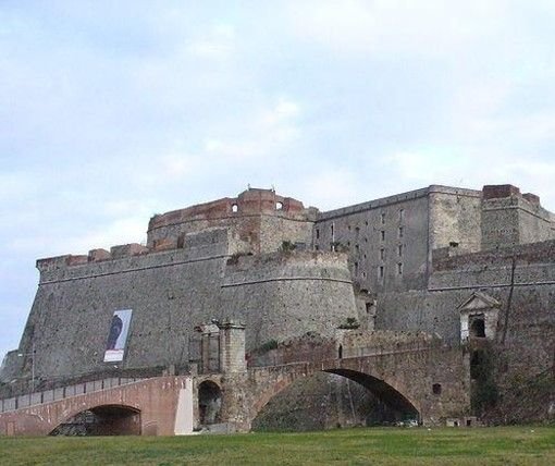 A Savona un convegno sulla falsificazione-Quotidiano online della provincia di Savona http://mercatinousato.com