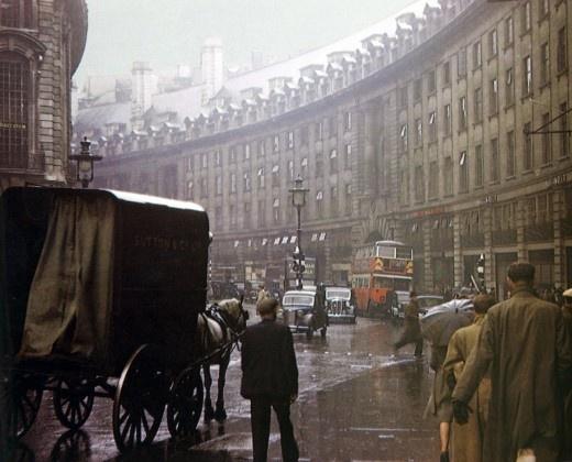 Regent St., London.. Vintage London in colour. 1950s.