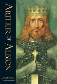 ARTHUR OF ALBION - Versión de las leyendas artúricas que es una pasada de libro, cómo está ilustrado, cómo suena el inglés en textos épicos...