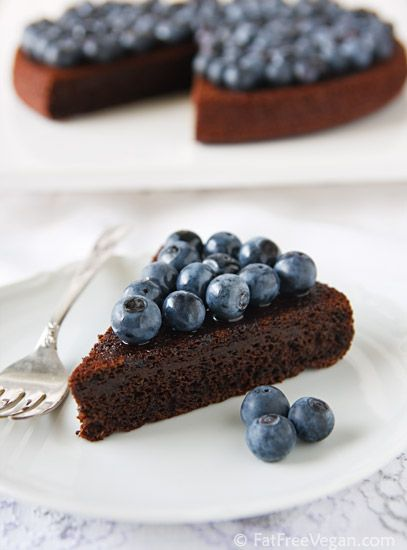 Fat free chocolate blueberry cake (ps, for all the people reposting this recipe like crazy, there are plenty of other things on this board are fat free as well, its just not always in the title, lol)