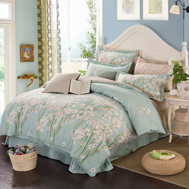 Highlights  SET INCLUDES - a quilt cover and two pillowcases BEDROOM MAKEOVER - Revive your bedroom design with this matching set. COMFORTABLE