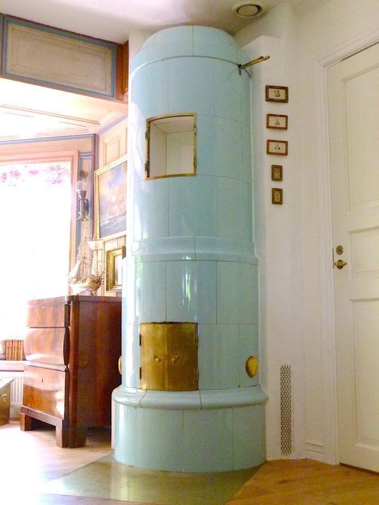 Elegant Blue Beauty! Cylindrical Stove With Antique Brass Doors. Antiker Schwedischer  Kachelofen Source: GITA