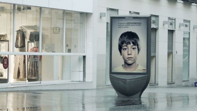 Child-Abuse Ad Uses Lenticular Printing to Send Kids a Secret Message That Adults Cant See | Adweek