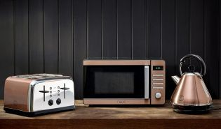 Copper alll day, errrrday! Incorporate statement pieces into your kitchen with our range of stylish copper appliances.