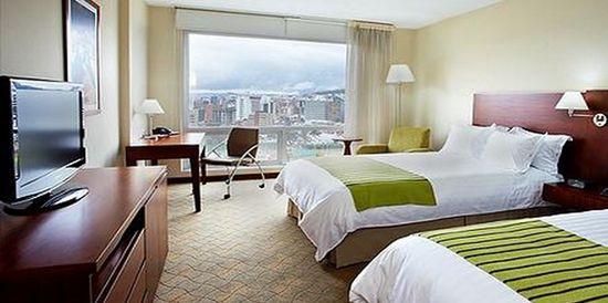 Hotel Holiday Inn Bandung (anekahotelmurah.com)