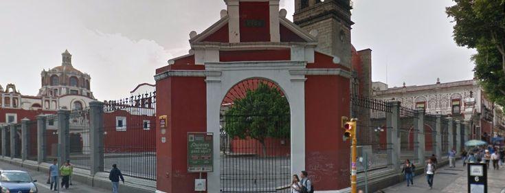 Iglesia de Santo Domingo, ubicada en calle 5 de Mayo esquina 4 Poniente Centro Histórico
