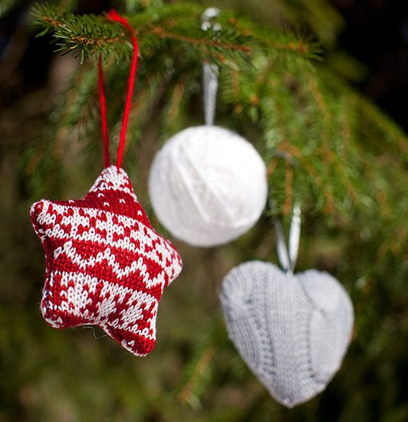 DIY Christmas tree decorations made out of old sweaters.