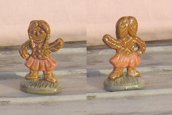 Wade Gingerbread Girl Terracotta Skirt from Pennsylvania  Wade Fest 2005 #PorcelainFigurine