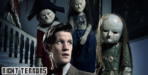 Le Docteur reçoit un signal de détresse de l'endroit le plus effrayant de l'Univers ; une chambre d'enfant. Chaque nuit, le petit George est terrorisé.
