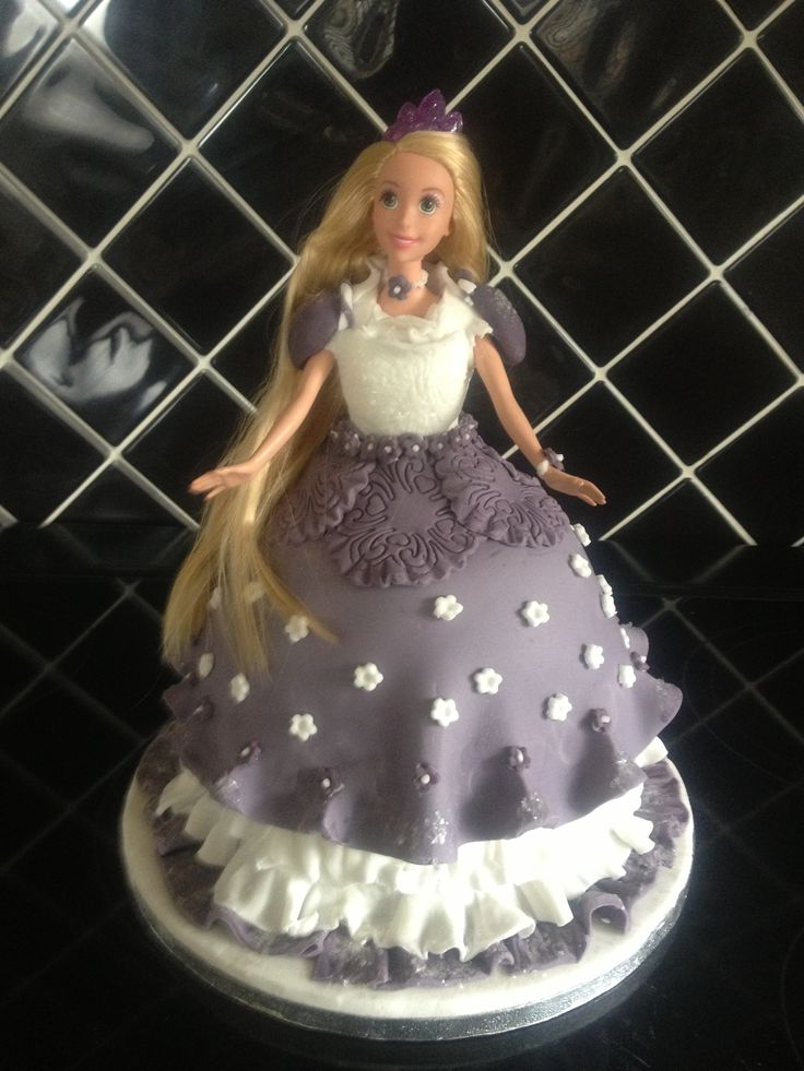 Rapunzel cake - can be changed to whatever doll you required!
