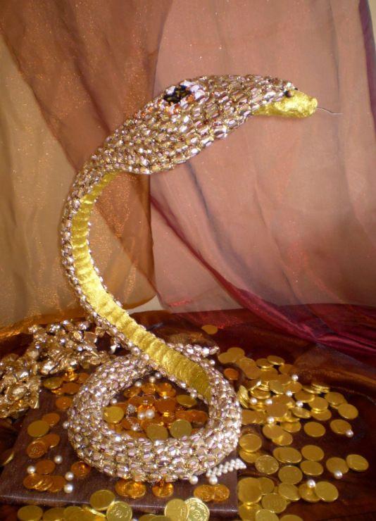 (6) Gallery.ru / Кобра-хранительница богатства, символ мудрости - конкурсы - volka-kafa
