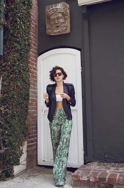 Karla Deras. Loving her outfit