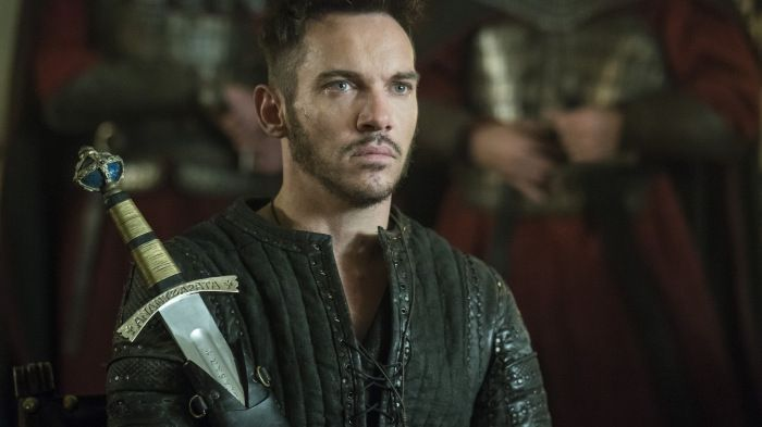 """When """"Vikings"""" creator Michael Hirst set about telling the saga of the famed farmer-turned-king Ragnar Lothbrok and his equally (if not more) famous sons, he always knew his leading man… 