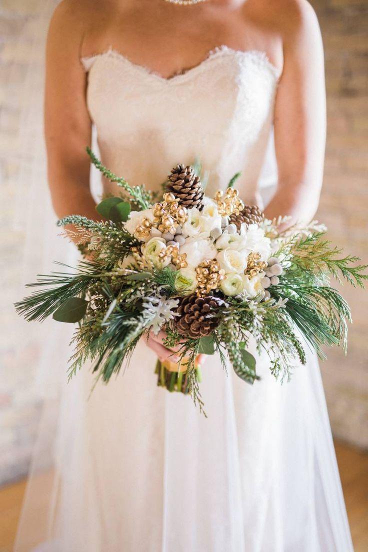 AN ELEGANT SNOWY CHRISTMAS WINTER WEDDING Bouquet