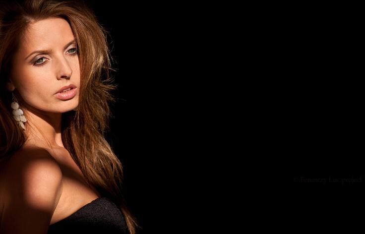 Makeup: Agnes Hlatky,  Modell: Anett Kiss,  Photo: Rolland Balazs