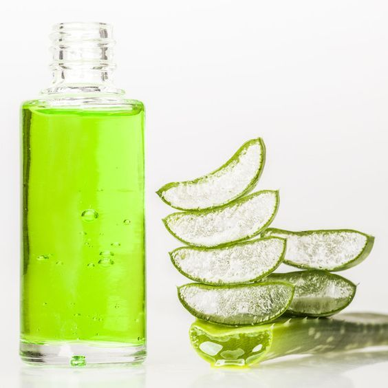 Aloe Vera Kosmetik selber machen - Rezept für selbst gemachtes Aloe Vera Shampoo gegen Schuppen mit nur 4 Zutaten - beruhigt die Kopfhaut und lindert Juckreiz ...