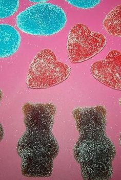 La meilleure recette de Mes bonbons !!!!!! L'essayer, c'est l'adopter! 4.3/5 (12 votes), 26 Commentaires. Ingrédients: 200g de sucre, le jus d'un demi citron, 3 feuilles de gelatine, colorant arome