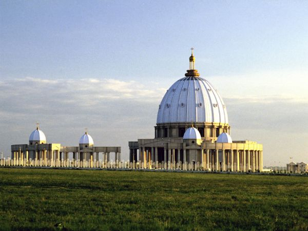 56 best basilica of our lady peace yamoussoukro ivory coast by france vitrail international. Black Bedroom Furniture Sets. Home Design Ideas