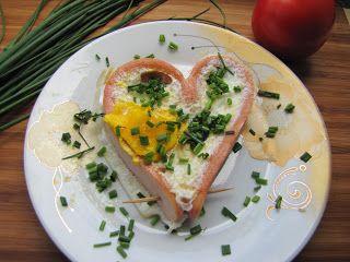 Szczęśliwa kuchnia: Serce na... talerzu - jajecznica w parówce