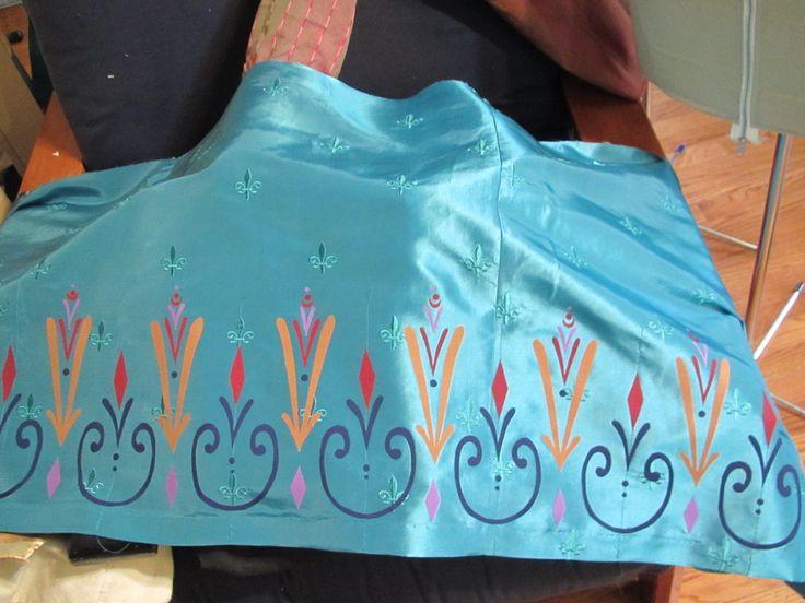 Elsa Coronation Dress - how to  make the motif's (with PDF's) #elsa #frozen #andreaschewe