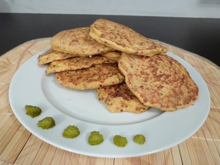 Voilà les fameuses galettes végétariennes : quinoa/boulgour. Un délice et super pratiques à emporter pour un déjeuner au bureau ou sur le pouce :) - www.LeBootCamp.com
