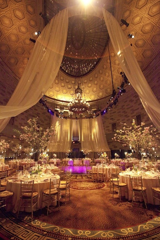 Beautiful Gold Wedding Decor