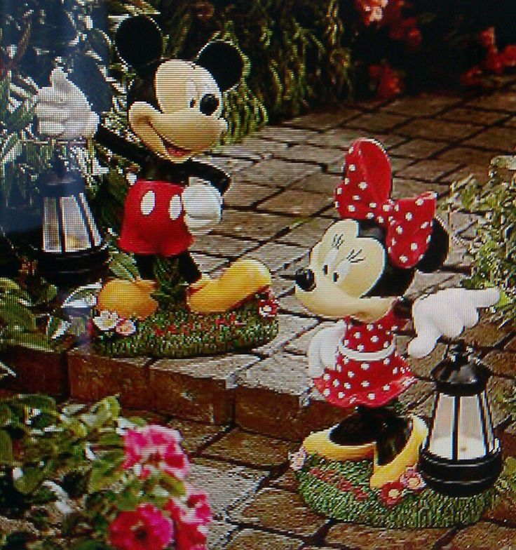 Mickey and Minnie outdoor decor I must find these haven't found them  anywhere yet - 72 Best Disney Outdoor Decor Images On Pinterest Disney Stuff