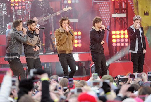 """""""One Direction's 'Midnight Memories' was the world's top-selling album of 2013"""" http://www.examiner.com/article/one-direction-s-midnight-memories-was-the-world-s-top-selling-album-of-2013"""