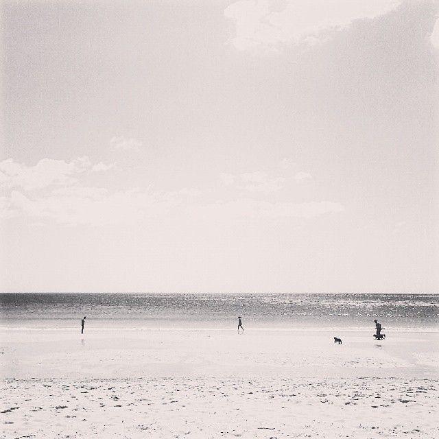 Playas sin sombras, ni sombrillas #carnota #muros #galicia #galifornia #agosto #verano #costa #playa #august #summer #coast #beach #bw