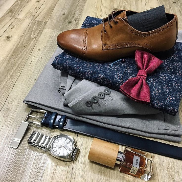 The details // Milano sandy grey suit David Smith petrol blue floral shirt Collezione wine red herringbone bow tie Croft burnt tan leather shoes Politix petrol blue belt Diesel watch Lafitte socks Cudworth silver and gold money clip and Nuda by Nassomatto fragrance.  #mensfashion #trampsthestore #wollongong #DavidSmith #milanoSuits #Croftshoes #formalseason #suitup #flatlay #autumnWinter #tailoredfashion #menWithStyle #suave #dappermen