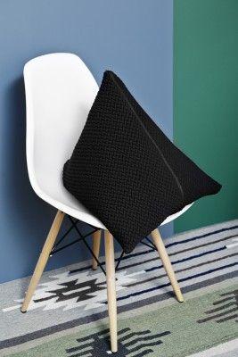 BARK cushion large by Yndlingsting