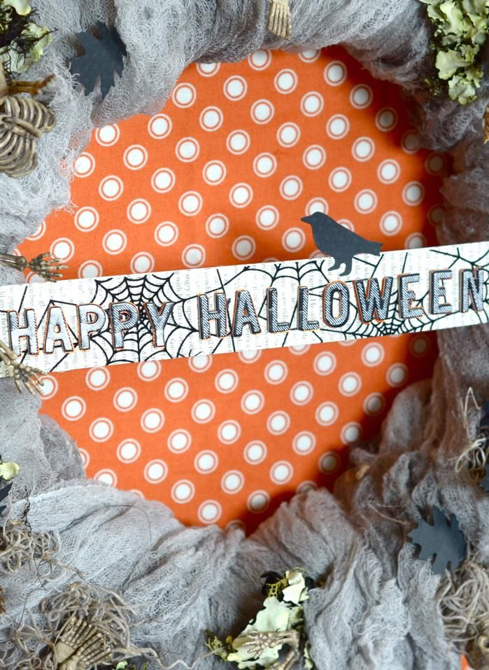 Dress up your home for the spookiest holiday of the year with a Halloween wreath! Mix and match all sorts of accessories to make this craft as creepy as you like. Click in for full instructions.