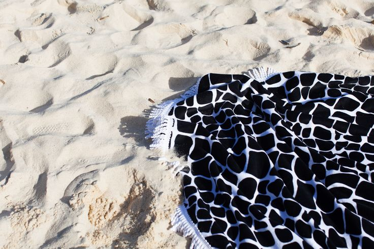 new round beach towels: Cape Town in Black&white