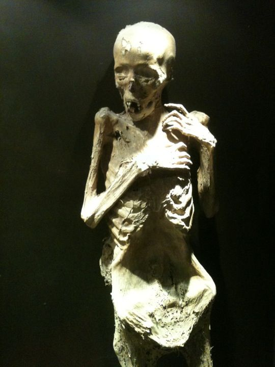 While in Mexico in the summer of 1971 I visited the Museo de las Momias de Guanajuato in Guanajuato, Mexico.This is a famous place but I wouldn't choose to see this again.  The countryside was exquisite but these mummies, I can live without.