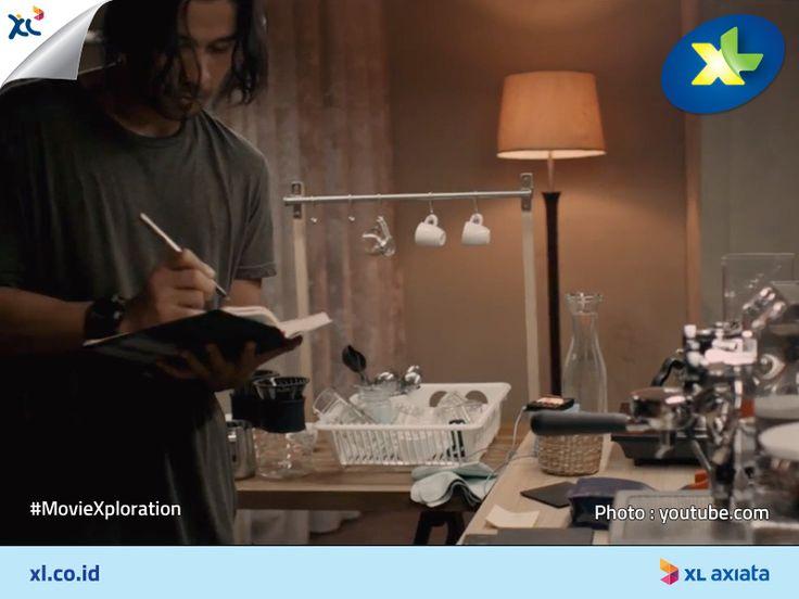 """Suka ngopi? Ada satu film Indonesia terbaru yang bakal mengisahkan orang-orang yang punya passion sama kopi.  Film ini berjudul """"Filosofi Kopi"""" yang akan dibintangi oleh Chicco Jerikho, Rio Dewanto, dan Julie Estelle.  #MovieXploration"""