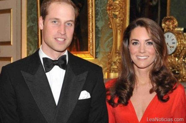 La nueva tiara de la Duquesa Kate Middleton (Foto)  - http://www.leanoticias.com/2013/12/04/la-nueva-tiara-de-la-duquesa-kate-middleton-foto/