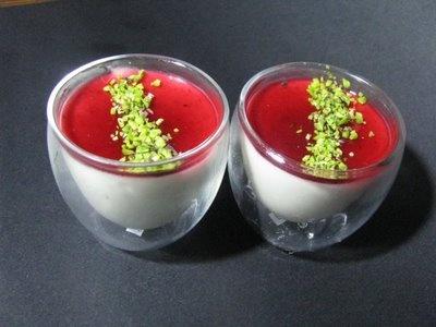 Mousse di pistacchio e gelatina di lamponi