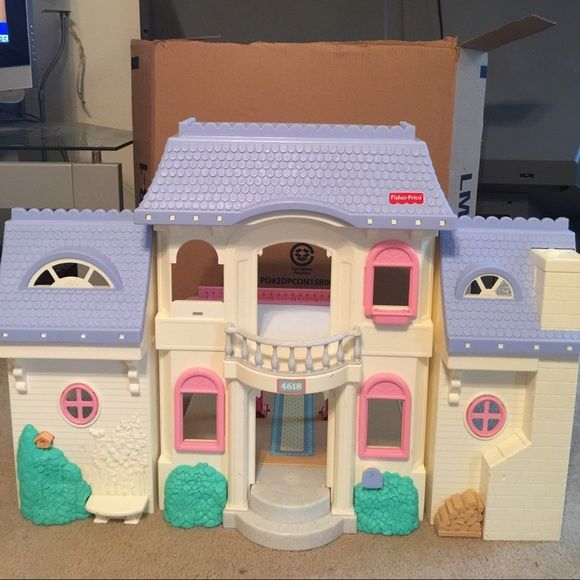 Fisher price loving family doll house Great condition for its age the only thing j see wrong with it is that the doors are missing and one pink window pane see the last pic house would be great for Polly pocket dolls even Fisher price Other