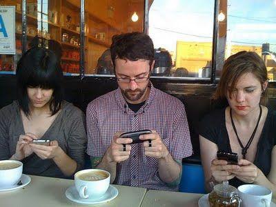 Como usar tu #smartphone de forma inteligente, saludable y respetuosa? te contamos: http://www.superchevere.com/entretenimiento/el-buen-uso-social-del-smartphone/