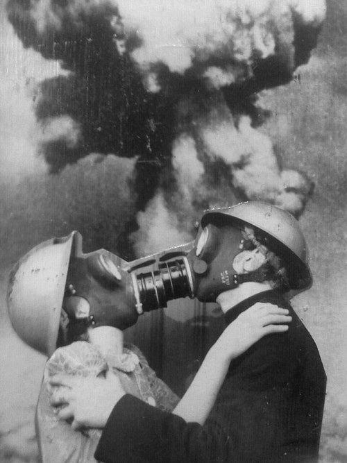 #despertar Nacionalismo é nossa forma de incesto. Patriotismo é seu culto… Tal como amor por um individuo que exclui o amor aos outros não é amor, amor pelo nosso país que não seja parte do nosso amor pela humanidade não é amor, mas idolatria. ~ Erich Fromm, The Sane Society (1955)