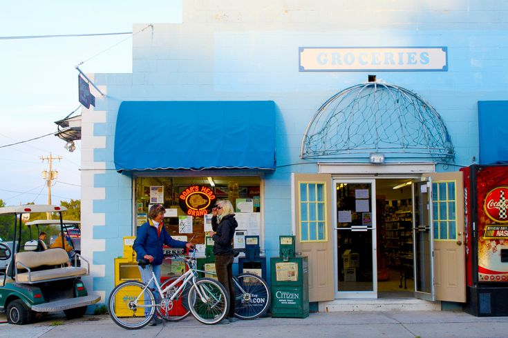8 most beautiful, charming small towns in Florida. Cedar Key, Stuart & Tarpon Springs within day drive distance. Mount Dora we know and love.