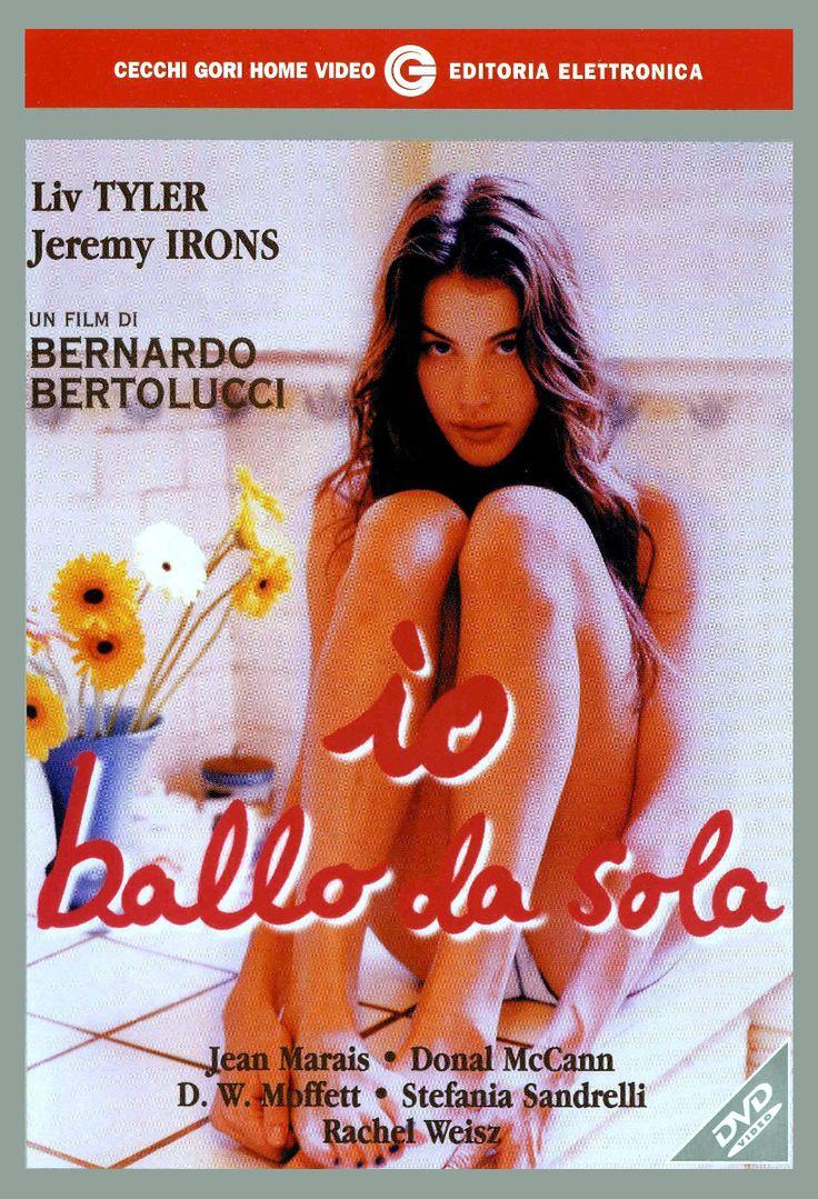 Siena e cinema: Io ballo da sola (http://www.iltesorodisiena.net/2014/05/siena-e-cinema-io-ballo-da-sola-1996.html) - il nuovo articolo del blog. Include la sequenza (9 min. ca.) della festa nella splendida Villa di Geggiano.