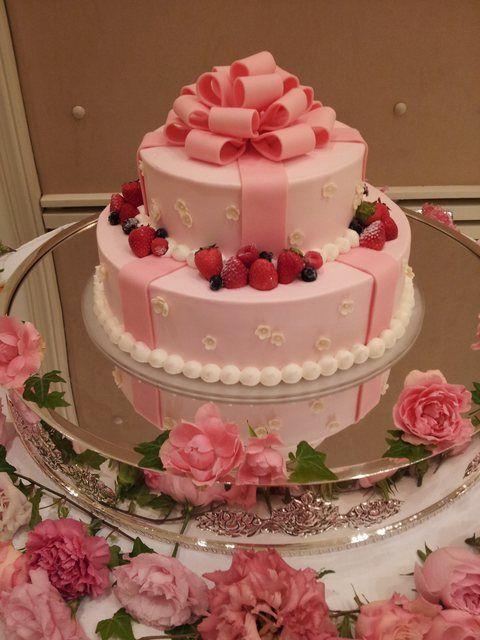 結婚式場写真「リボンが特徴のウエディングケーキ」 【みんなのウェディング】