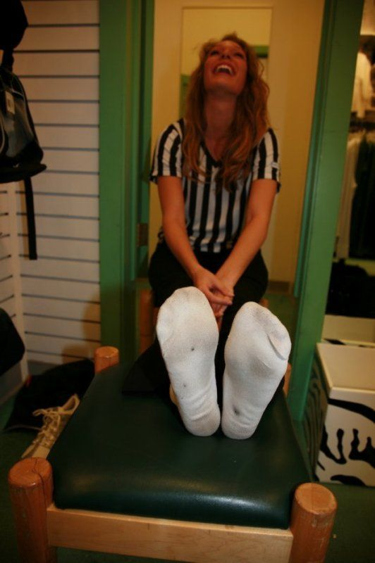 Womans Day Com >> Girls Dirty Socks Deviant   girl in dirty socks - kiss ...