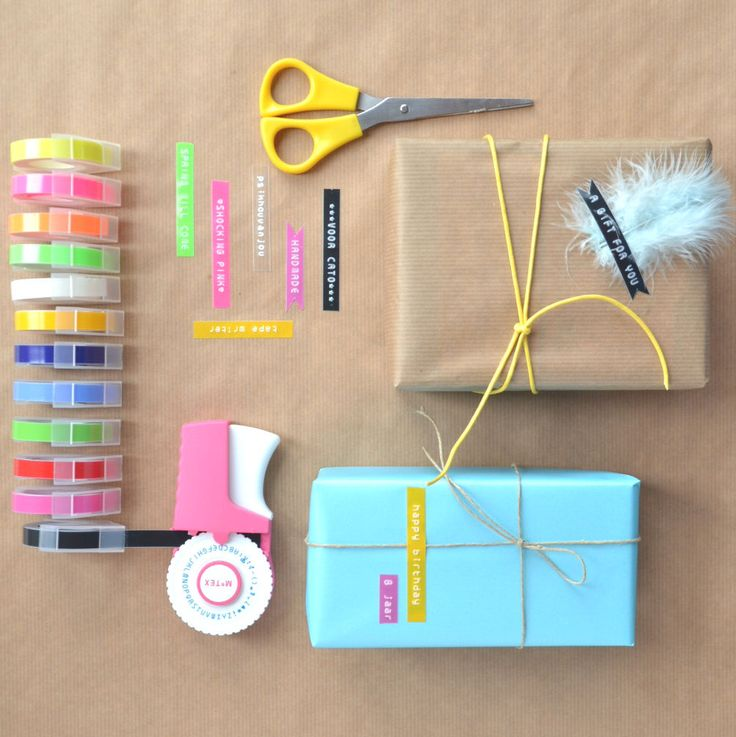 Labelmaker, lettertape & presents