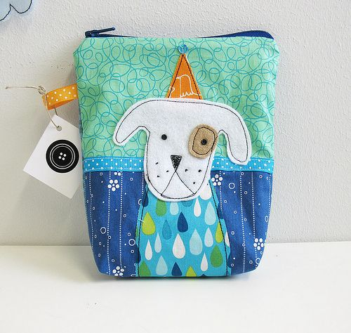 I'm not really a big dog liker, but this is a cute doggie and an even cuter small purse!